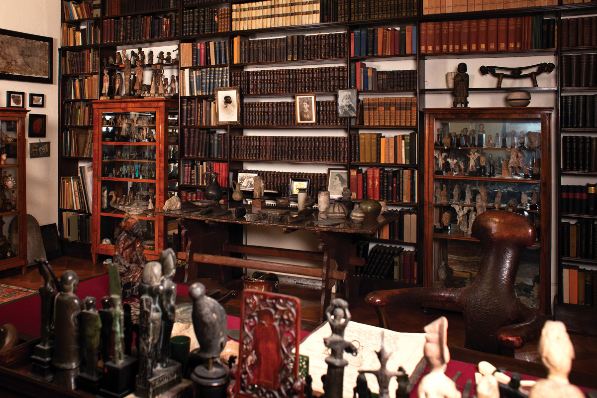 Sigmund Freud's library | museum photography | © Freud Museum London