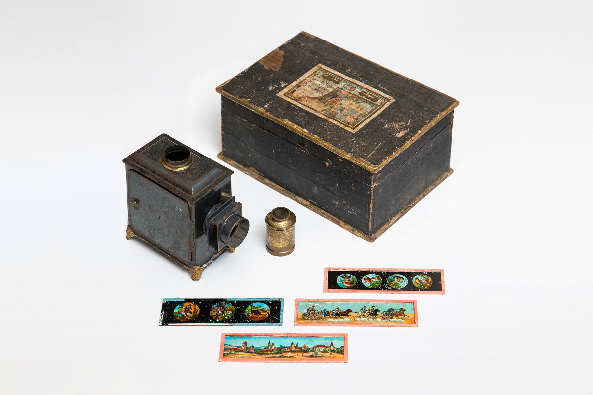 Magic Lantern from Anna Freud's collection | collection photography | © Freud Museum London