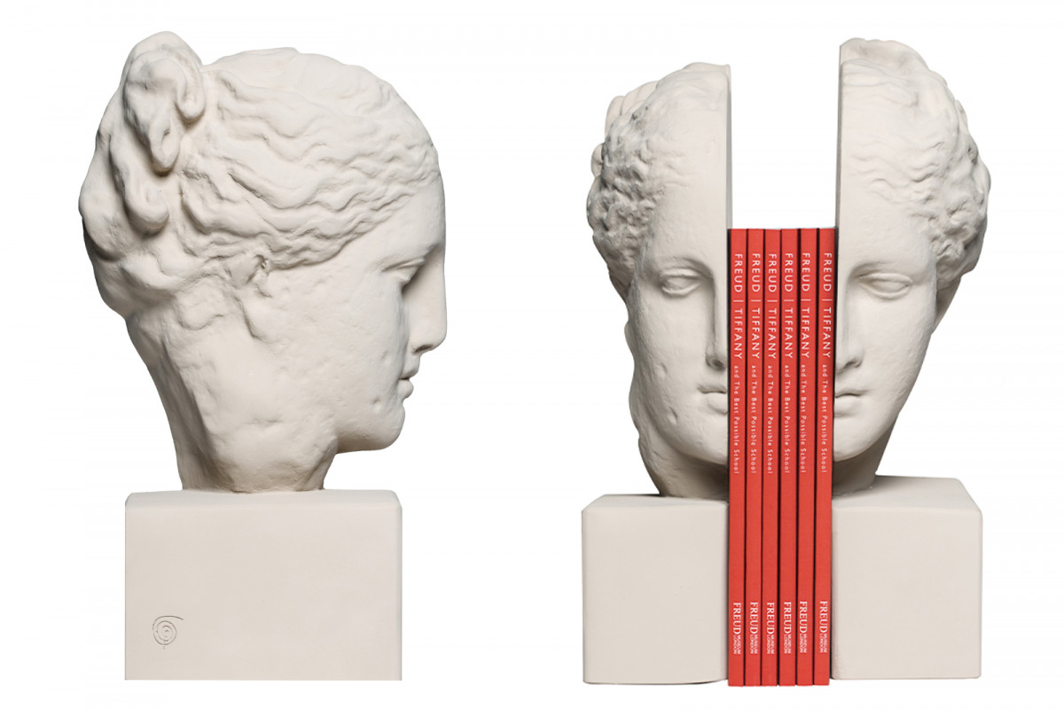 A selection of product photography created for the online shop & social media channels. Hygeia Bookends.