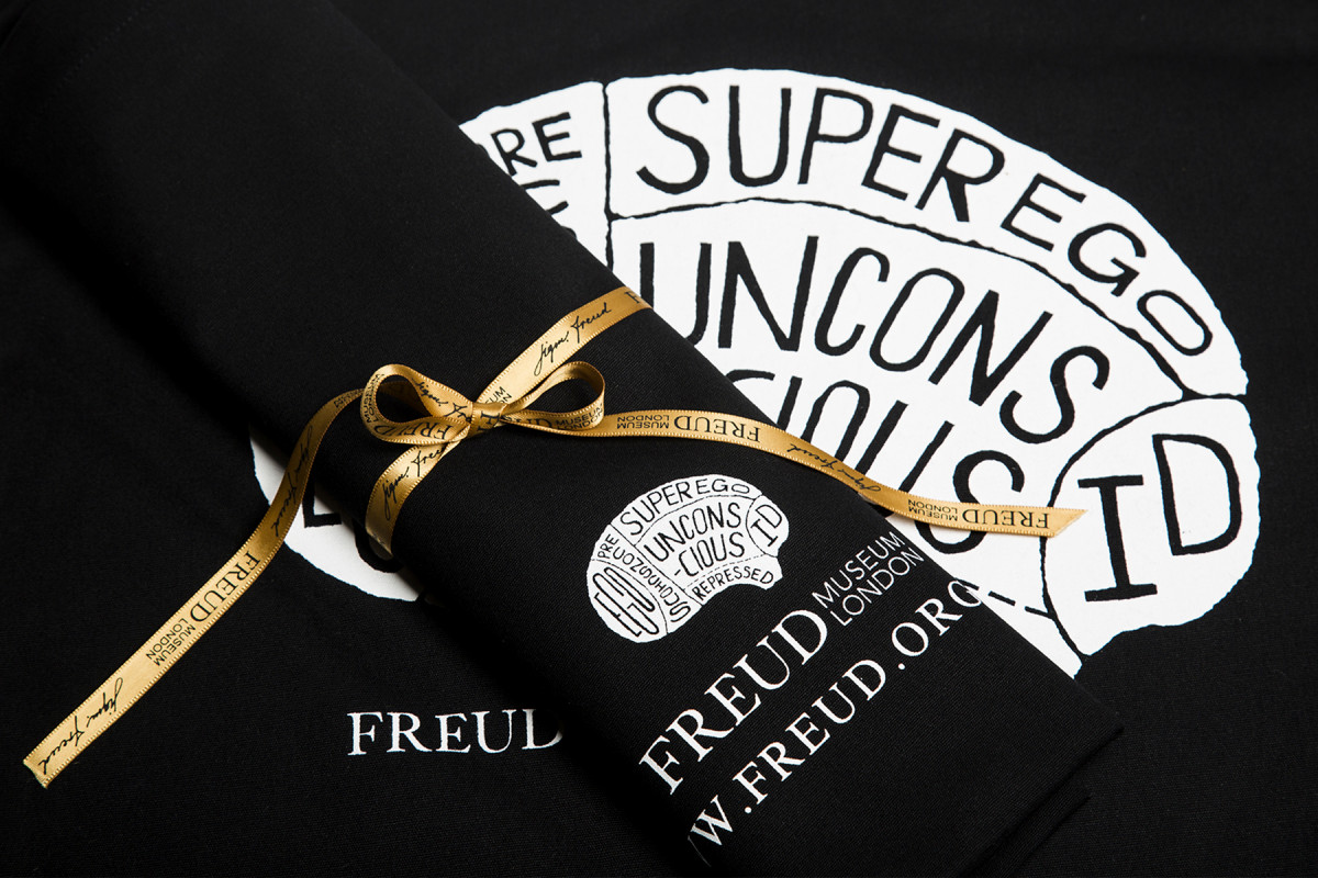 A selection of product photography created for the online shop & social media channels. Freud Brain Bag. Exclusive to the freud Museum Shop