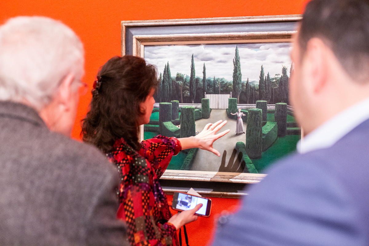 Audience listening to an art historian | Gallery views & action shots | © Sotheby's